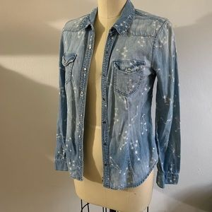 Denim blouse  w/stars ✨condition:new w/o tags✨